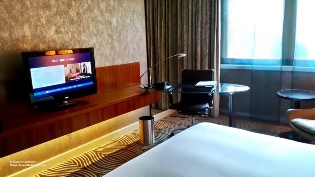 BER Hilton Bed2