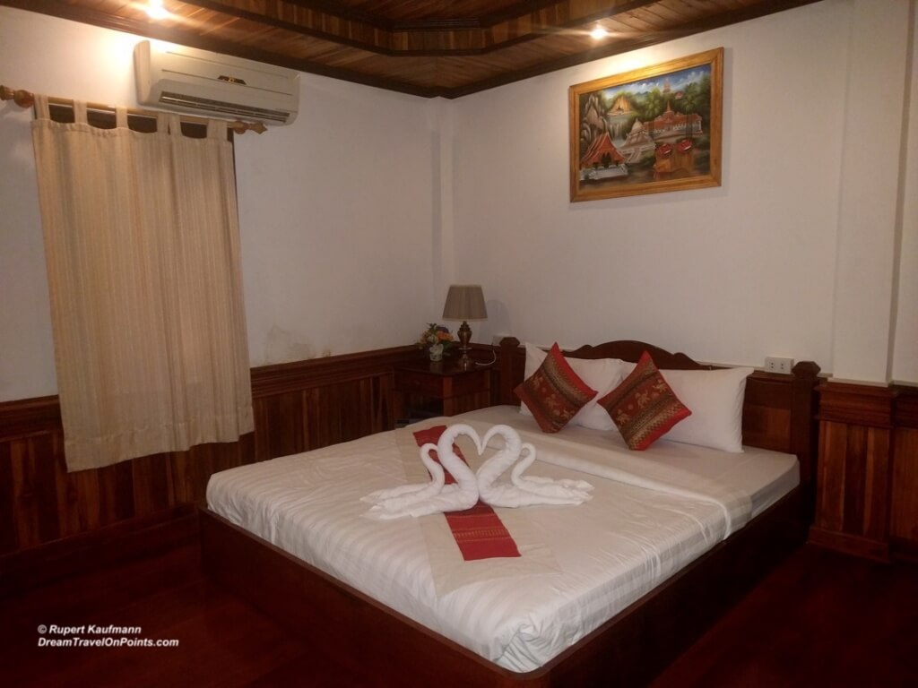 LAO Villa Oudomlith LPB Bed1