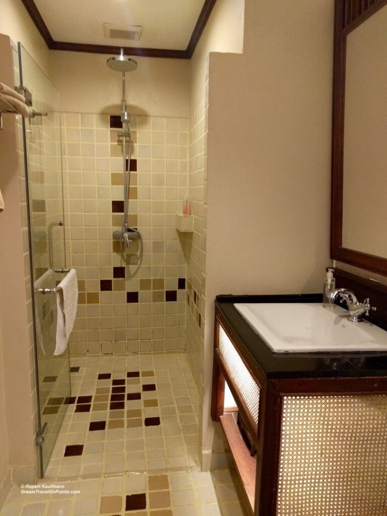 LAO VillaDeuxRivieres LPB Bath