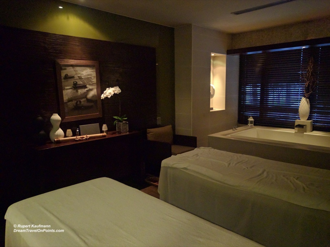 mnl-sofitel-lespa-couplesroom