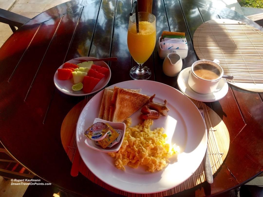 bal-melamun-breakfast