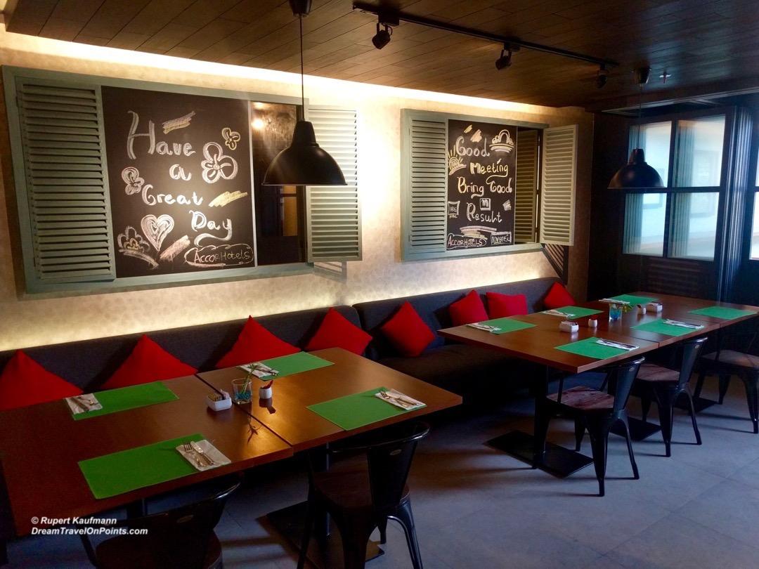 bal-ibis-legianstreet-restaurant
