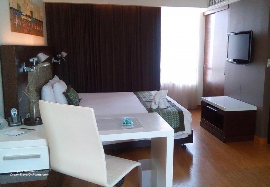 BKK ParkPlaza Sukhumvit bed1