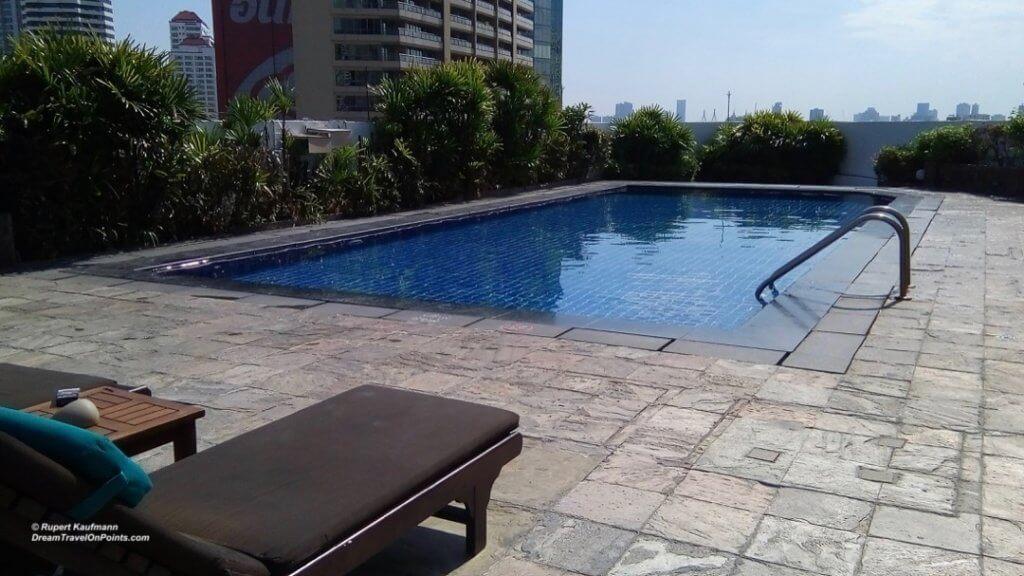 BKK ParkPlaza Sukhumvit pool