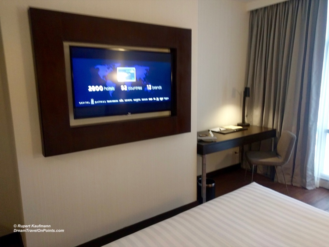 MNL Mercure Ortigas Bed2