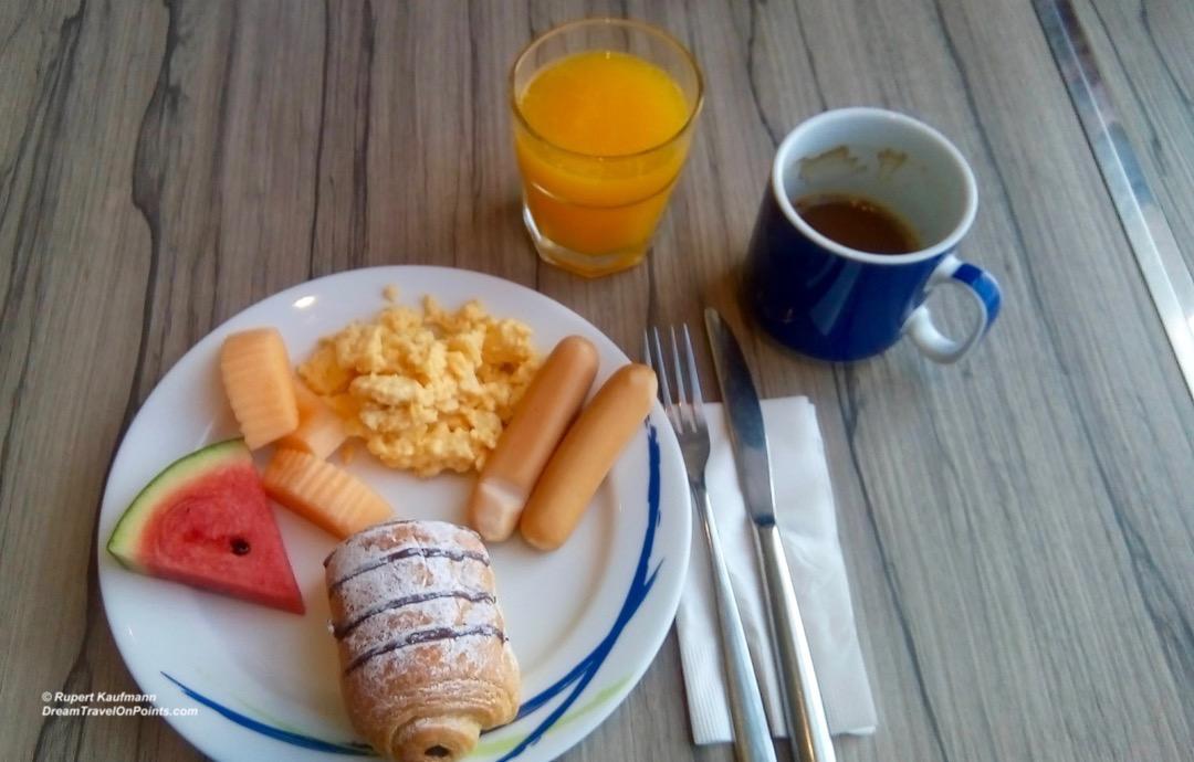 BKK HIX Siam Breakfast