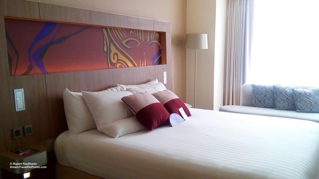 BKK Novotel S20 bed2