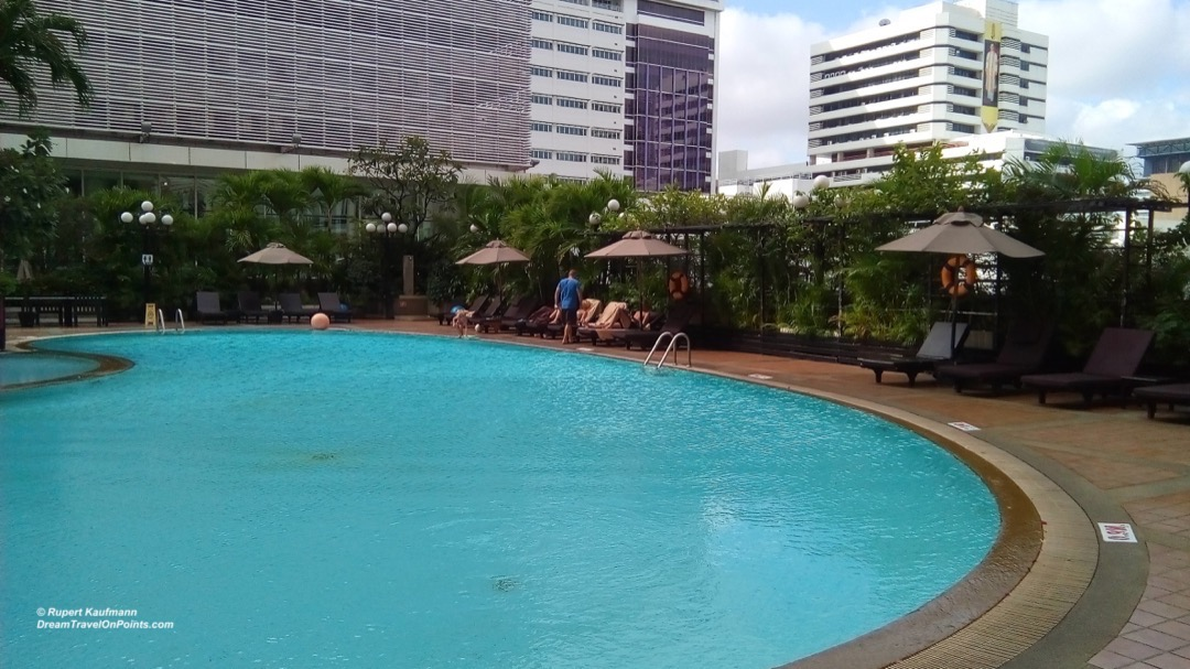 BKK NovotelSiam pool2