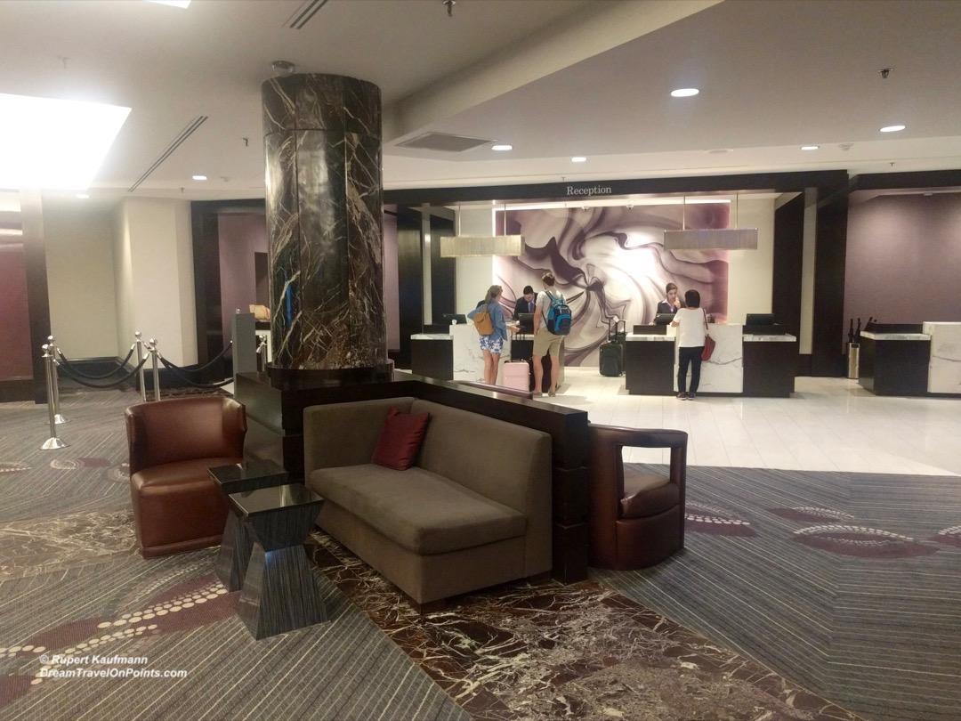 BOS Hyatt Regency Boston lobby