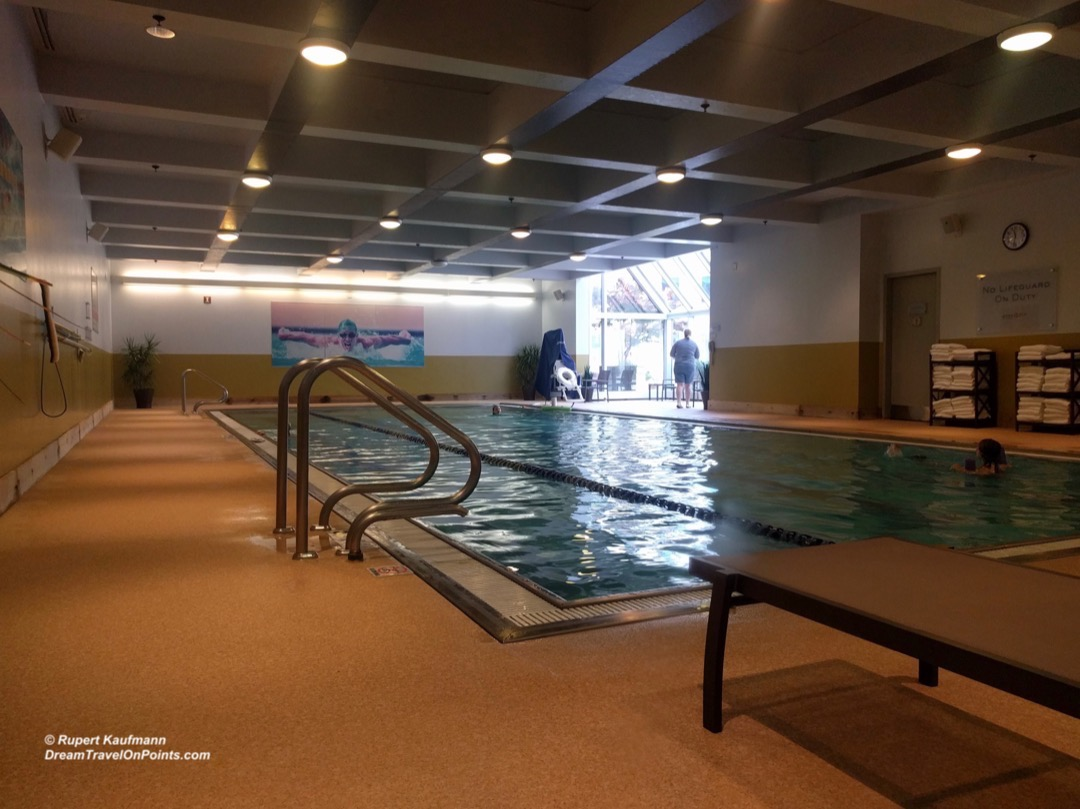 BOS Hyatt Regency Boston pool