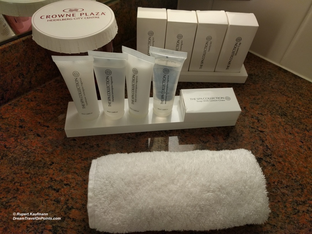 HDL CrownePlaza BathAmenities