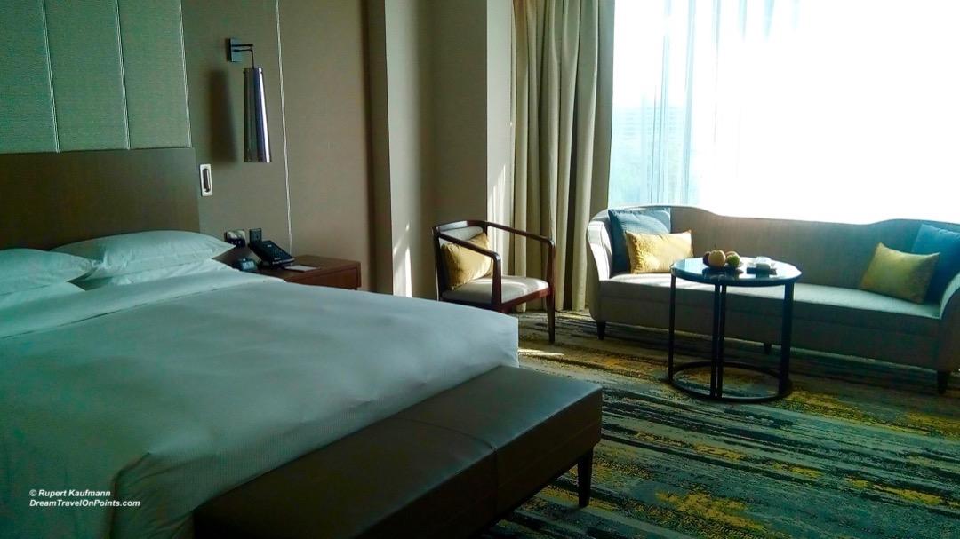 KK Hilton bed1