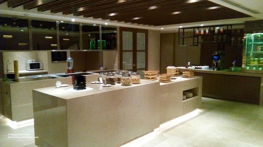 KK Hilton lounge buffet