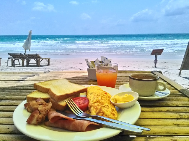 Chaweng Beach Breakfast