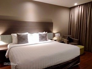 Pullman Kuching Review: Modern hotel, huge lounge, great ...
